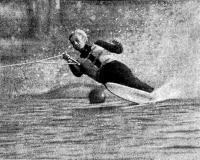 Абсолютный чемпион СССР по воднолыжному спорту А. Радушинский