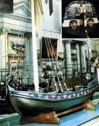 Ботик Петра I в Центральном военно-морском музее