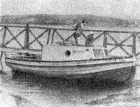 Четырехвесельный ял, переоборудованный в моторное судно