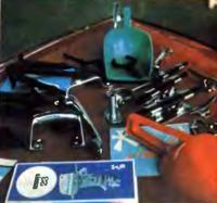 Детали и оборудование лодок на оптовой ярмарке