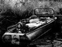 Двигатель установлен на лодке