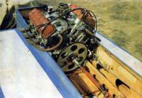 Фото двигателя «М-100В» на катере