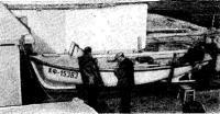 Фото лодки на берегу