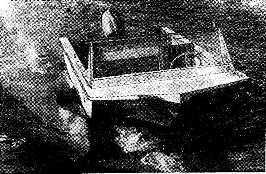 Фото моторной лодки