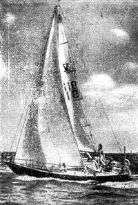 Фото яхты-«полутонника»