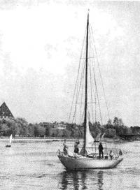 Фотография крейсерско-гоночной яхты