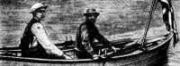 Гарбо и Самуэлсен в праздничных костюмах на своей лодке