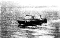 «Катам» идет по воде с 7-километровой скоростью
