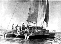 Катамаран Перун на воде