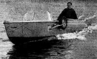 Казанка-амфибия на воде