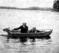 Лодка Рацкевича на воде