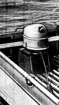 Мотор на лодке