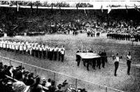 На королевском стадионе в Стокгольме зрители впервые увидели колонну русских спортсменов