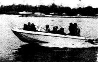 На тримаране свободно размещаются 9 человек