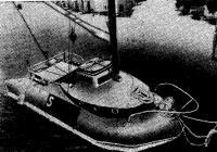 Пластмассовая яхта из старой надувной лодки