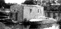 Плавдача возле берега