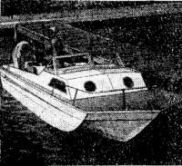 Пятиметровый алюминиевый тримаран с каютой