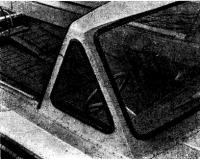 Раскинув сиденья можно удобно устроиться на ночлег