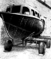 Рис. 8. 8-метровый катер, построенный в судоремонтной мастерской