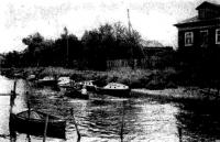 Стоянка лодок на Соломбалке