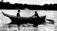 Типичная перевозная лодка на Средней Невке