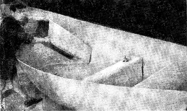 Установка банок в корпус стеклоцементной шлюпки