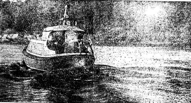 В дальнем плавании под флагом ЛКВМТ катер «Рассвет»