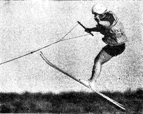 В воздухе чемпионка страны по прыжкам И. Мейя