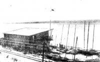 Яхт-клуб и его яхты