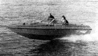 6,5-метровый катер фирмы «Флетчер» с угловой колонкой «Б-190» на ходу