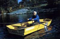 «Автобот» на веслах с одним пассажиром