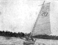 Байдарка с глиссирующими веслами-поплавками на гонках