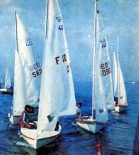 Буксировка швертботов класса «470» в олимпийскую гавань