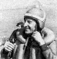 Чемпион СССР в 10-мильной гонке в классе скутеров ОВ — Роберт Азатян