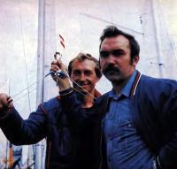 Чемпионы мира в классе «Торнадо» В. Потапов (справа) и А. Зыбин