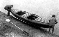 Двухместную «Ласточку» легко спускают на воду два десятилетних мальчика