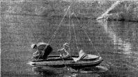 Экипаж «Пеликана» с друзьями на крымском берегу. На ветровом стекле — реклама «Спортлото»