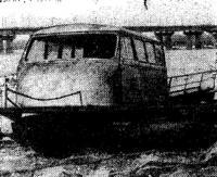 Глиссирующая плавдача с использованием кузова старого микроавтобуса
