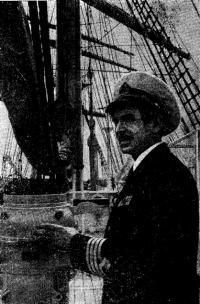 Капитан «Крузенштерна» И. Г. Шнейдер