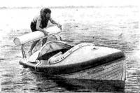 Кеннет Керр проверяет самоспрямление своей лодки перед выходом в океан