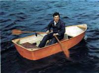 Лодка «Ерш» с веслами