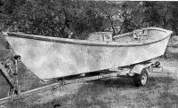 Лодка «Каролина» на автомобильном трейлере