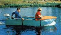 Лодка «Мечта» с мотором на ходу