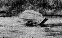 Лодка входит в поворот