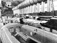 На участке формования корпусов швертбота «470»