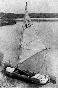Надувная лодка «Волна» с парусным вооружением