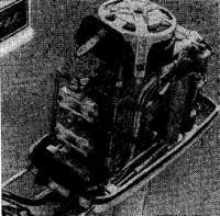 Новый опытный трехцилиндровый подвесной мотор «Нептун-33»