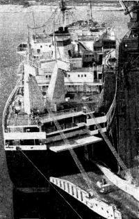 Одно из новейших судов нашего морского флота — «Скульптор Коненков»
