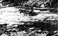 Плот на базе баллонов «БН» проходит пороги на реке Китой (Восточные Саяны)