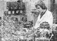 Последняя операция: подсоединение проводов системы зажигания